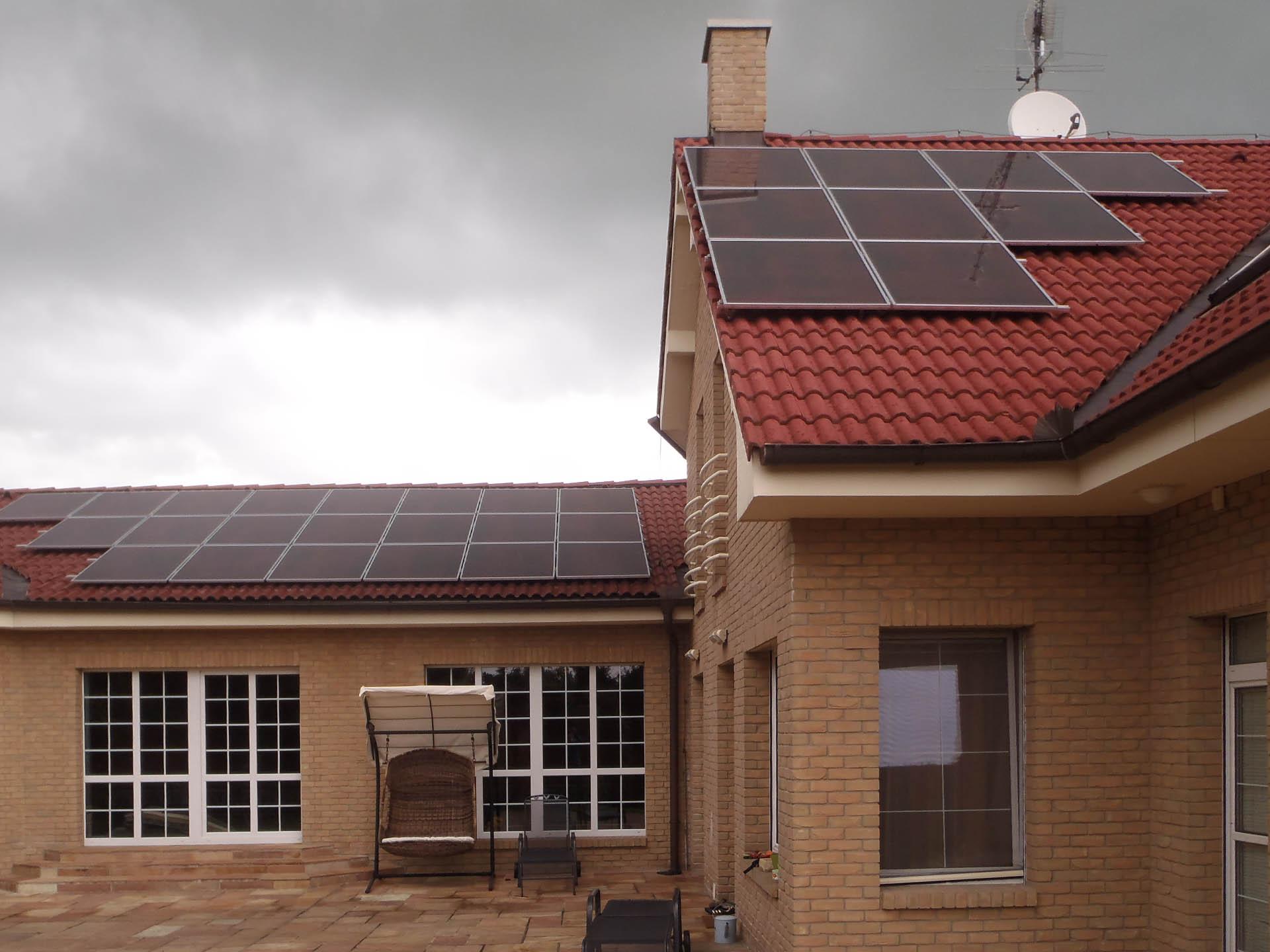 Luxusní vila, Březiněves. Instalace fotovoltaické elektrárny o výkonu 5 kWp
