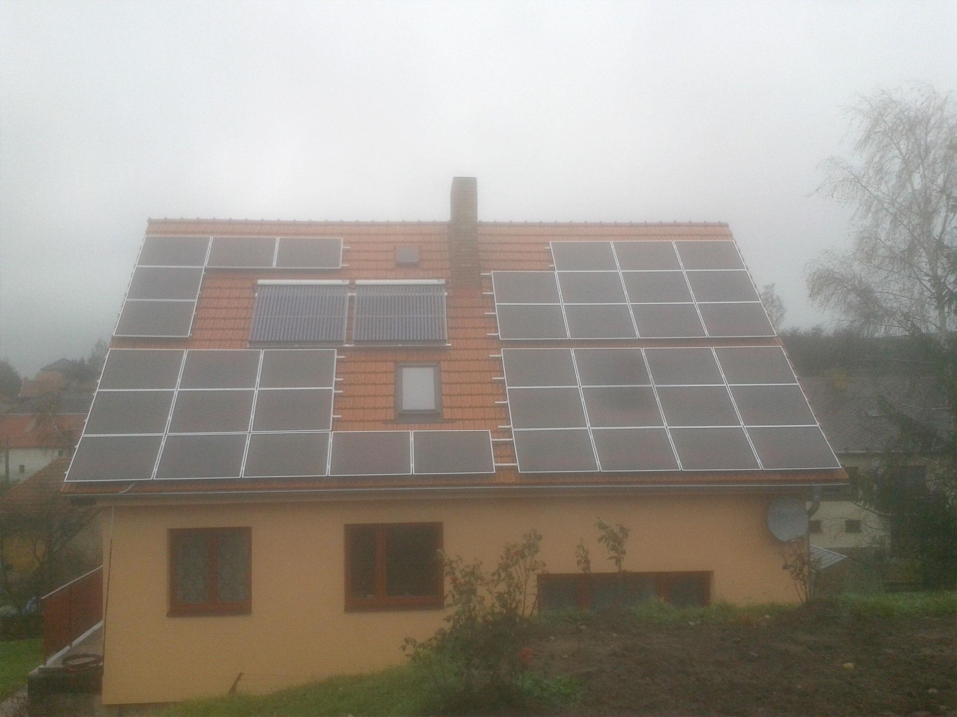 Instalace fotovoltaické elektrárny o výkonu 5 kWp.