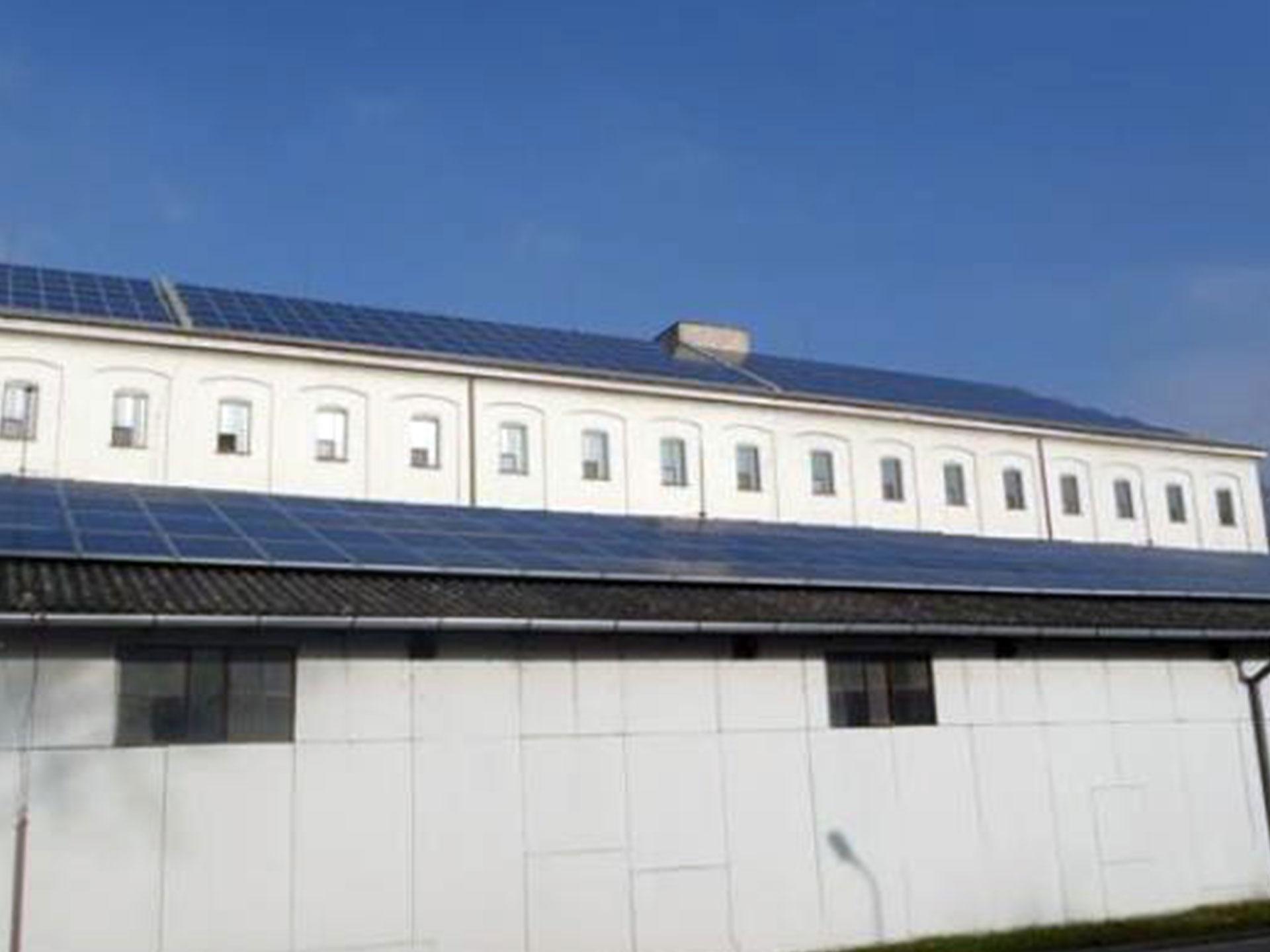 Výrobní závod Hodonín - Instalace fotovoltaické elektrárny o výkonu 230 kWp.